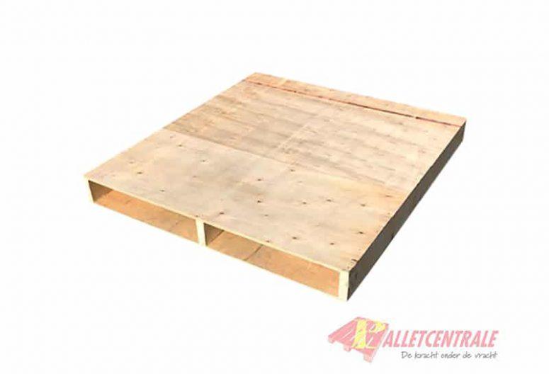 Plaatpallet 115 x 125cm omlopend gebruikt bovenzijde