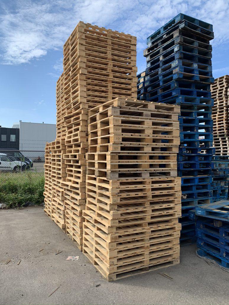 Blokpallet omlopend 120x135cm, gebruikt