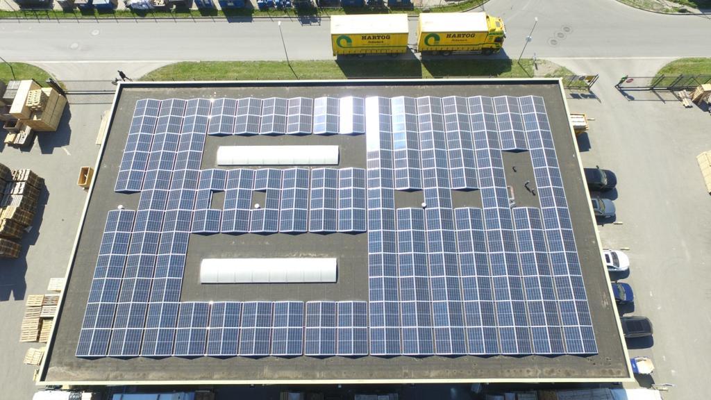 Zonnepanelen palletcentrale middenmeer